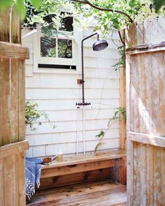 33 outdoor shower ideas for an exhilarating fresh-air shower. See inspiring photos of outdoor bathing fixtures and enclosures. Spring and Summer is the ideal warm weather to build or take an outdoor shower! For more bathroom ideas go to Domino. Outdoor Baths, Outdoor Bathrooms, Nautical Bathrooms, Outdoor Kitchens, Outdoor Spaces, Outdoor Living, Outdoor Decor, Outdoor Projects, Diy Projects