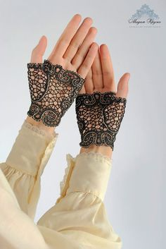 A truly Royal accessory! Fingerless gloves - the most elegant and original decoration for that special occasion - These will make you stand out even at the most glamorous event. And such a charming accessory for any bride. Woven using the traditional technique of Vologda lace from the finest silk thread.