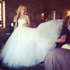 Anna Camp Gives a Closer Look at Her Custom Reem Acra Wedding Dress