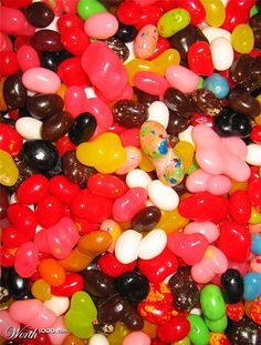 belly flops- my favorite snack by jelly belly jelly beans, these are the flops that didnt make it to the expensive bags.