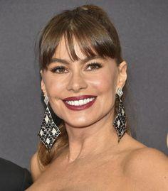 La coleta con flequillo de Sofía Vergara y los 15 peinados de los Emmy