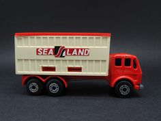 MERCEDES CONTAINER TRUCK..MB42	SUPERFAST 1977	Matchbox 1-75	Red	SEA LAND...IDEAL PARA LOS MONTACARGAS..