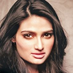 Actress Athiya Shetty on her Chemistry with Sooraj Pancholi, Athiya Biography, Wallpapers, Hairstyles, Dresses, Bikini, Early Life, Career History, Top Film