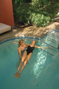 Arizona's popular wellness escape Sanctuary on Camelback is known for its spa featuring Eastern healing treatments. Watsu, short for Water Shiatsu combines Japanese shiatsu massage and stretching. During the Watsu Treatment, guests are gently supported, stretched, and massaged by a therapist in a private, shaded pool. The water allows the body to be moved in ways that aren't possible from a regular massage, making it ideal to release stress and tension.