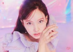 Tweets con contenido multimedia de TWICE (@JYPETWICE) / Twitter Kpop Girl Groups, Korean Girl Groups, Kpop Girls, Extended Play, Twice Chaeyoung, Twice Tzuyu, Twice Photoshoot, Sana Momo, Sana Minatozaki