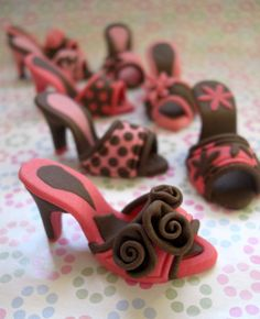 Mini Choc fondant Shoes. Really cute for a bridal shower.