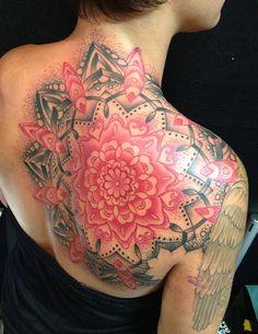 20  Shoulder Mandala Tattoos for Women and Girls (15)