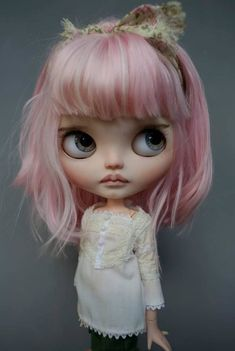 ✿⊱╮b l y t h e ❣️ Pretty Dolls, Beautiful Dolls, Coraline, Doll Repaint, Custom Dolls, Doll Face, Big Eyes, Handmade Toys, Blythe Dolls