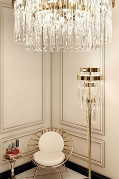 Interior design inspirations for your luxury entryway. Check more in our Blog! Luxury Interior Design, Interior Design Inspiration, Entryway Lighting, Modern Chandelier, Chandeliers, Expensive Houses, Celebrity Houses, Design Projects, Design Ideas