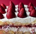 Δροσερό γλυκό ψυγείου με φράουλες