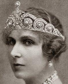 Queen Victoria Eugenie of Spain's Pearl & Diamond Tiara