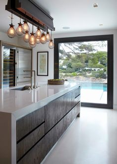 Kitchen - Those light and that window !!!