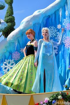 Anna and Elsa Face Characters