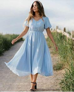 Stunning Dresses, Stylish Dresses, Pretty Dresses, Beautiful Casual Dresses, Modest Fashion, Women's Fashion Dresses, Dress Outfits, Modest Clothing, Romantic Fashion