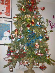 Robots and Spaceship Christmas tree theme, Raz Imports, AmericasMart Atlanta