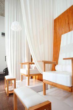 - Spa de Manos y pies - Bonheur Spa - Massage & Beauté Pedicure Station, Bar Interior, Spa Massage, Nail Bar, Manicure And Pedicure, Nail Salons, Room, Wellness, Furniture