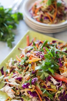 Asian Chicken Slaw - simple, easy and crazy delish! Not only does this look simple, but you can buy a bag of already cut cabbage/slaw at the store. Clean Eating, Healthy Eating, Salada Light, Asian Recipes, Healthy Recipes, Whats Gaby Cooking, Asian Chicken, Soup And Salad, Ramen Salad