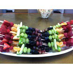 51 best ideas for fruit skewers graduation Strawberry Cake Recipes, Yogurt Recipes, Fruit Recipes, Best Fruits, Healthy Fruits, Fruits And Veggies, Fruit Party, Fun Fruit, Fruit Ideas