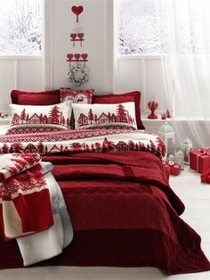 Merry Christmas. Christmas bedding Christmas decor. Cozy and ready for the winter. : christmas-bedroom-decorations - designwebi.com