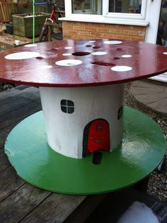 Toadstool table from a cable reel.