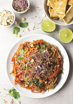 Pad Thai | simpleveganblog.com #vegan #glutenfree #healthy