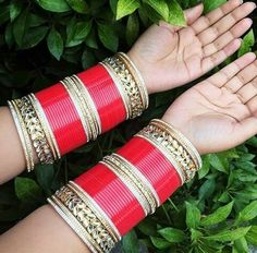 Chuda Bangles, Bridal Chura, India Wedding, Bridal Bangles, Happy Pictures, Makeup Swatches, Indian Jewelry, Just Love, Bangle Bracelets