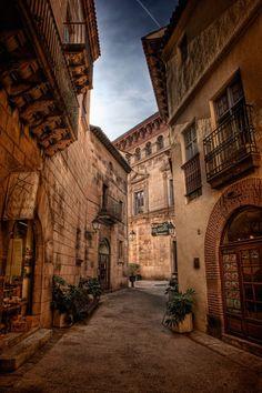 El Poble espanyol es un museo al aire libre en Montjuic.