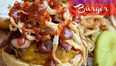 All-American Burger with Crispy Onion Strings - My Latina Table Entree Recipes, Mexican Food Recipes, Appetizer Recipes, Cooking Recipes, Appetizers, Onion Strings, American Burgers, Beef Sliders, Crispy Onions