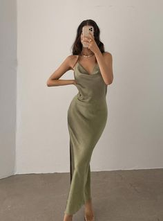 Prom Outfits, Grad Dresses, Mode Outfits, Satin Dresses, Ball Dresses, Dress Outfits, Homecoming Dresses, Fashion Outfits, Formal Dresses
