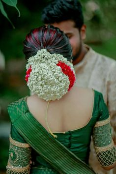 South Indian Wedding Hairstyles, Bridal Hairstyle Indian Wedding, Bridal Hair Buns, Bridal Hairdo, Indian Hairstyles, Saree Hairstyles, Bun Hairstyles For Long Hair, Bride Hairstyles, Hair Designs