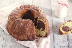 Una ricetta di origini tedesca per creare la famosa Torta marmorizzata o Marmorkuchen. Un dolce da colazione o merenda morbido e sofficissimo.