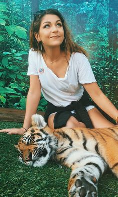 "Andrea Russett on Twitter: ""Less than 5,000 beautiful tigers left on our planet. Protect them at all costs. Please :( """