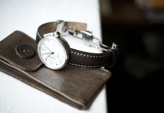 Xetum men's watch: white dial, brown leather strap