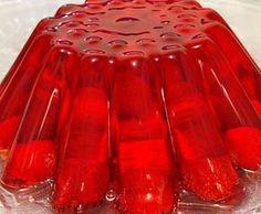 L'aspic di fragole è particolarmente consumato nei paesi nordici, ma anche in Italia ha raccolto i consensi degli amanti dei dolci con la gelatina.