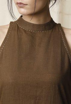 Buy set of 2 mehendi halter neck kurta & cotton culottes online - Simple Kurti Designs, Stylish Dress Designs, Kurta Designs Women, Designs For Dresses, Blouse Neck Designs, Collar Kurti Design, Kurta Neck Design, Design Of Neck, Kurta Cotton
