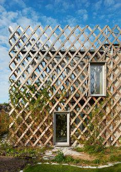 tham & videgard arkitekter: garden house Facade Design, House Design, Masterplan, Wooden Facade, Timber Cladding, Green Architecture, Small Backyard Landscaping, Architect House, Green Building