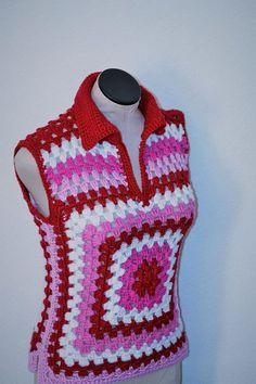 Fabulous Crochet a Little Black Crochet Dress Ideas. Georgeous Crochet a Little Black Crochet Dress Ideas. Granny Square Crochet Pattern, Crochet Stitches Patterns, Crochet Granny, Crochet Motif, Crochet Designs, Crochet Top, Bandeau Crochet, Crochet Blouse, Crochet Poncho