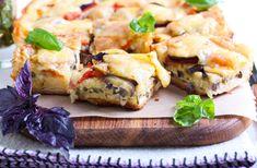 Pizza ripiena di pasta sfoglia con melanzane e mozzarella una vera bontà