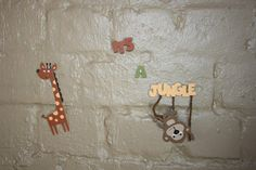 Giraffe party wall decorations