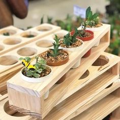 There are many distinct wooden planters in the marketplace, plus all of them are exact flexible. You produce a few ideas to create beyond one's house and also your backyard: 50 Easy DIY Woodworking Projects to Decor Your Home – Kinds of Wooden Planters Wooden Pallet Projects, Woodworking Projects Diy, Woodworking Plans, Woodworking Techniques, Woodworking Equipment, Woodworking Vacuum, Woodworking Square, Workbench Plans, Diy Planters