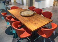 """Designerstuhl """"Tonon Concept 902"""" in der Farbe Rot mit Sitzschale aus softem Integralschaum """"Freeform"""". Aktuell als reduzierte Ausstellungsmodelle auf www.saar-kuechen.de Design Tisch, Designer, Dining Table, Furniture, Home Decor, Templates, Upholstered Bar Stools, Dark Hardwood, Colour Red"""