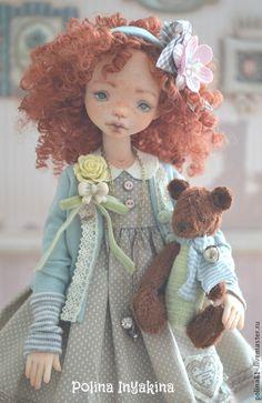Марисоль - кремовый,кукла ручной работы,кукла с мишкой,Кукла с рыжими волосами Madame Alexander Dolls, Fabric Dolls, Plushies, Doll Clothes, Harajuku, Disney Princess, Sewing, Toys, Disney Characters