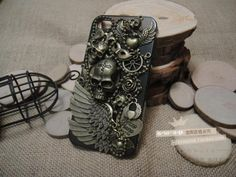 Skull wing alloys diy bling phone deco kit  | chriszcoolstuff - Craft Supplies on ArtFire Steampunk Crafts, Skull And Bones, Phone Covers, Craft Supplies, Iphone Cases, Bronze, Bling, Deco, Metal