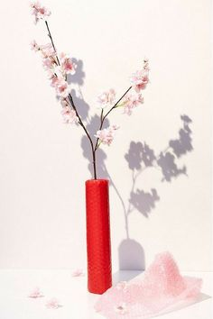 Cherry Blossom Faux Flower - Bring springtime to your space, no matter the weather with this faux cherry blossom bloom. Each perfect for single stem styling, these faux flowers look like the real deal and make a mood-boosting décor piece all year 'round. Faux Flowers, Real Flowers, Silk Flowers, Red Vases, Green Hydrangea, Big Leaves, Indoor Flowers, Asian Decor, Indoor Planters