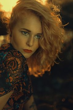 Girl, Fashion, glamour, hippie, photography, inspiration, sun, red, lips, make up, outfit, style, dress, outdoor, model, pretty, beautiful, cool, beauty, young, youth, passion, love, christina key, christina keys blog, germany, freiburg, 70ies, curls, blonde, hair, portrait, face,