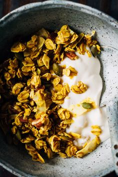 Made with turmeric and other Ayurvedic spices like cinnamon and cardamom, this Ayurvedic Granola is nourishment for the mind, body, and soul. Ayurvedic Healing, Ayurvedic Recipes, Ayurvedic Diet, Ayurvedic Medicine, Healthy Breakfast Recipes, Vegetarian Recipes, Healthy Recipes, Vegan Granola, Grilling Recipes