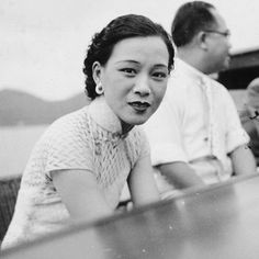 Be sure to join us @courtauld on 19 June 12.30-1.30 to hear the brilliant #SarahCheang of @royalcollegeofart speak on - 'Transnational Fashion History: Some Problems in Twentieth-Century Chineseness' 'This paper explores the vexed topic of fashion, nation and diaspora, foregrounding histories of imperialism, East Asian and European identities. New narratives of national identity are investigated by engaging directly with the transnational as a flexible state of in-between during which…