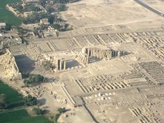 Ramessseum-aerial-Steve-Cameron-Wikio.jpg (3264×2448)