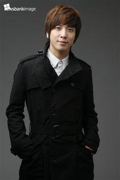 El mundo enamorado: Jung Yong Hwa