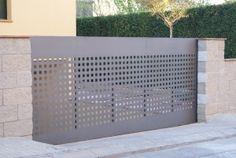Door Gate Design, Fence Design, Modern Garage Doors, Fence Screening, Privacy Walls, Entrance Gates, Sweet Home, Home Appliances, Construction